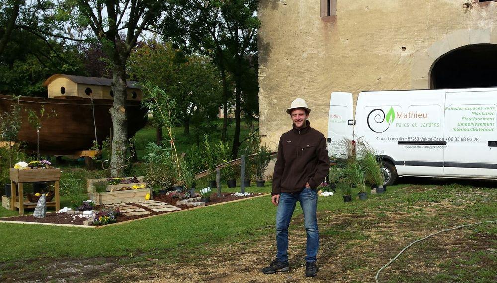 Grain de sel mathieu parcs et jardins s 39 occupe de vos for Societe espace vert